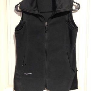NICE BLACK LADIES COLUMBIA VEST SIZE SMALL